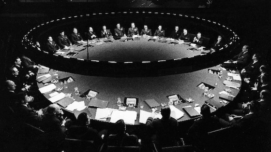 Dr. Strangelove, or: How I Learned to Stop Worrying and Love the Bomb (1964)
