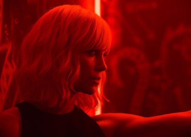 Atomic Blonde - Red Band Movie Trailer